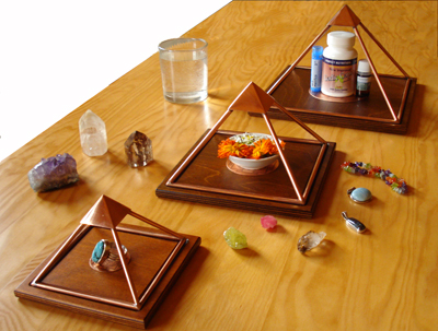 Copper pyramids for crystals, water, herbs, oils, essences, vitamins